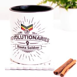Hrnek Revolutionaries Roots Soldier 330 ml